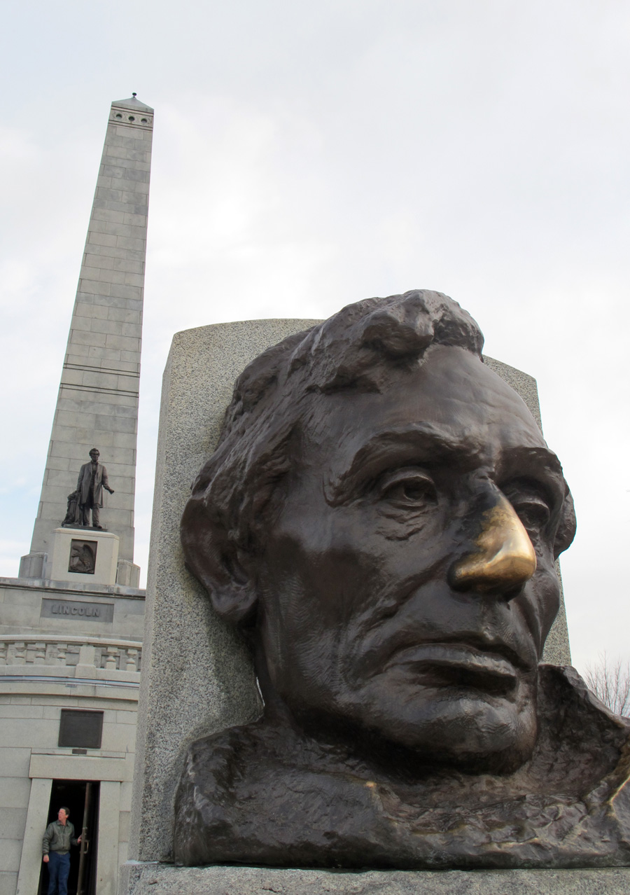 lincoln-tomb