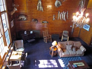 lodge-lounge